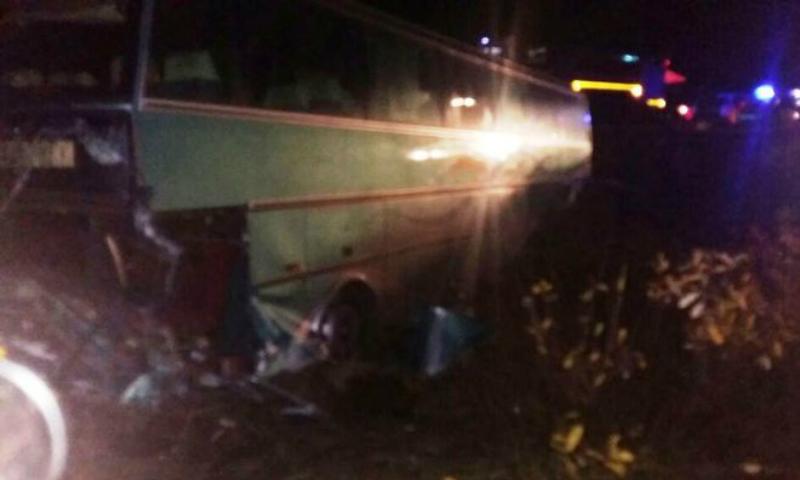 Туристический автобус вылетел в кювет в Татарстане