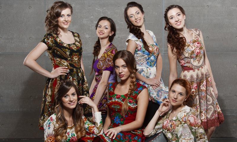 Русские красавицы распелись в необычных местах