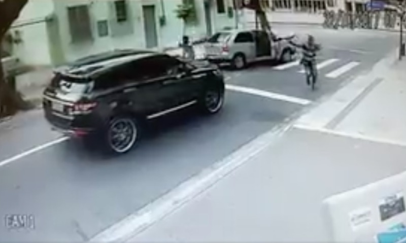 Бандиты с оружием отняли машину у вратаря сборной Бразилии по футболу