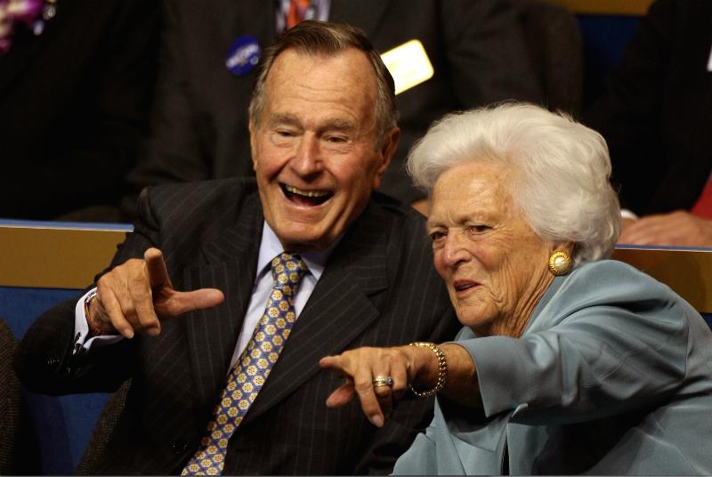 Джордж Буш-старший с женой