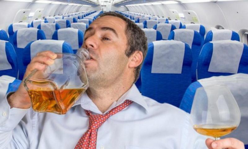Пассажиры бизнес-класса связали буйного мужчину на рейсе