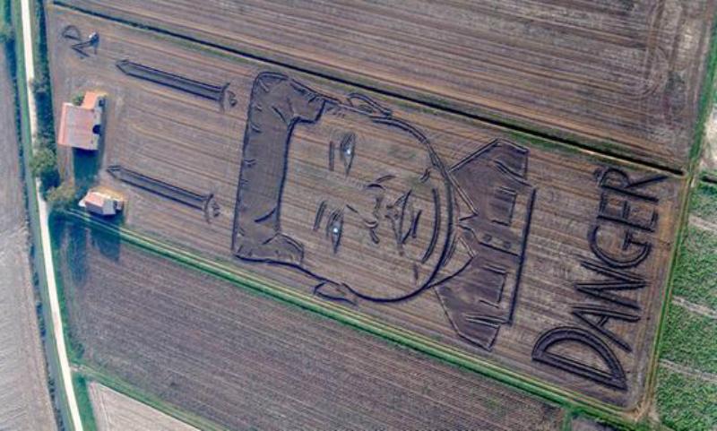 Огромный портрет Ким Чен Ына нарисовал на поле фермер в Италии