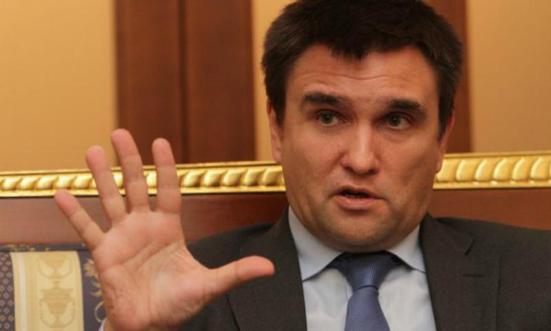 Климкин начал пугать главу МИД Испании российскими танками в Каталонии