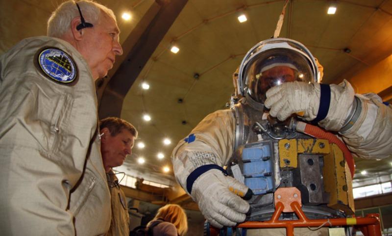 Космонавты и астронавты скрывают губительную правду о Вселенной