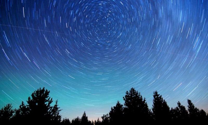 Эффектный метеоритный поток увидят россияне предстоящей ночью