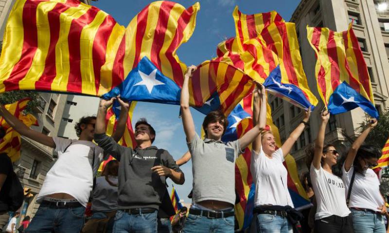 Шотландия иКорсика поддержали независимость Каталонии