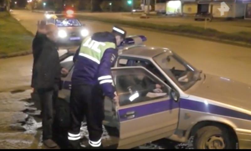 Полиция гонялась по Кирову за пьяным водителем в «беспилотном» автомобиле
