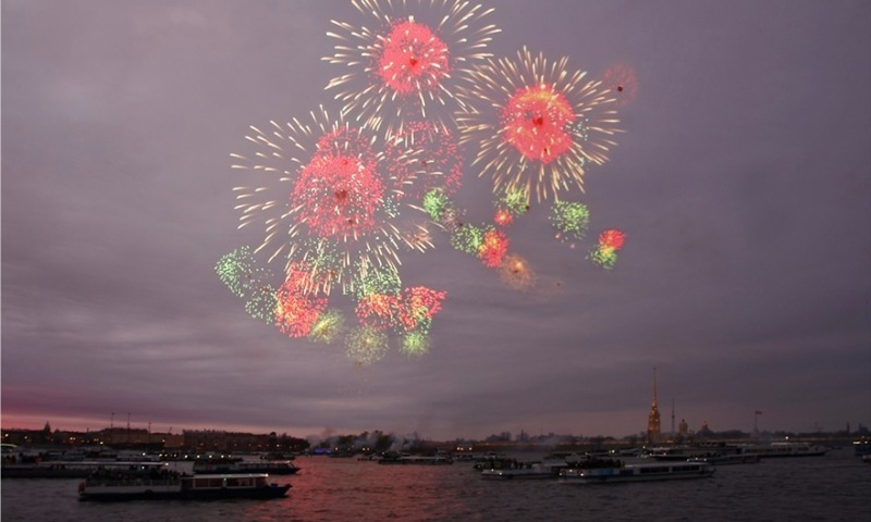 Правительство утвердило график праздничных выходных на 2018 год