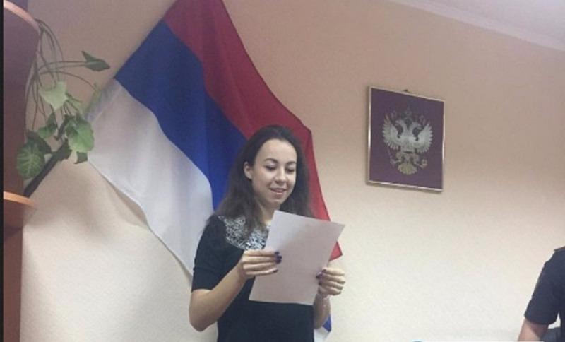 В Оренбурге присягу гражданина РФ дают под перевернутым флагом