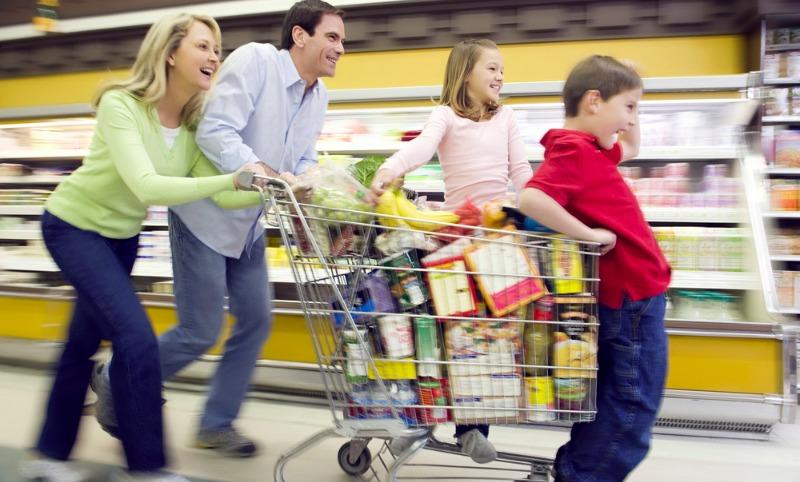 Ценопад: впервые с 2011 года в России подешевели продукты питания