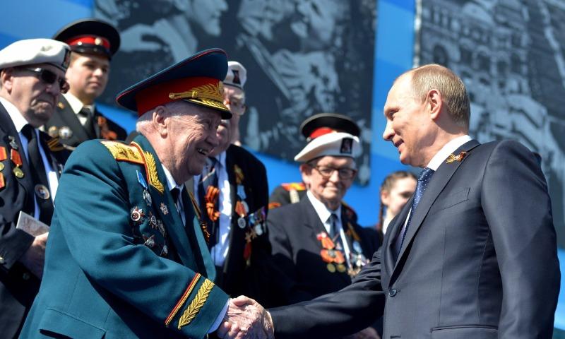 По поручению Путина пенсии для военных проиндексируют с 1 января