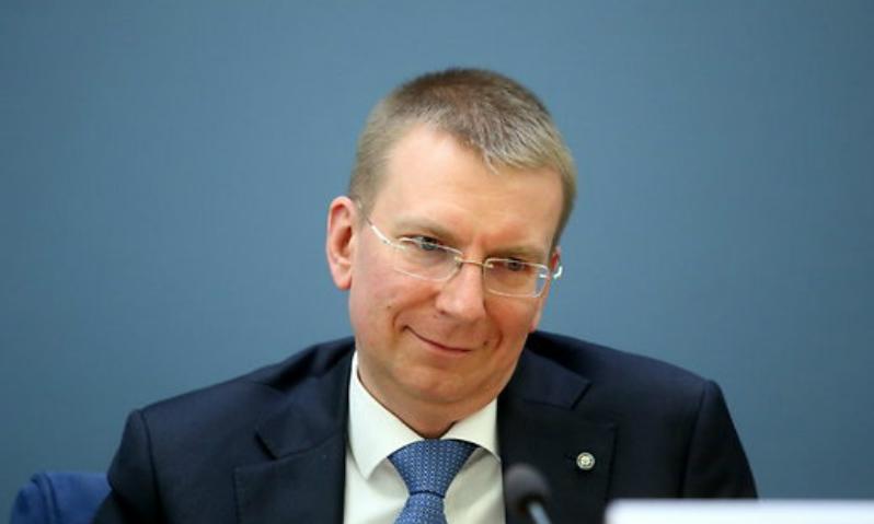 Захарова высмеяла латвийского министра, увидевшего