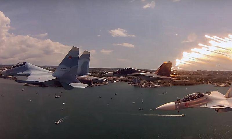 Минобороны показало, на что способен истребитель Су-30СМ