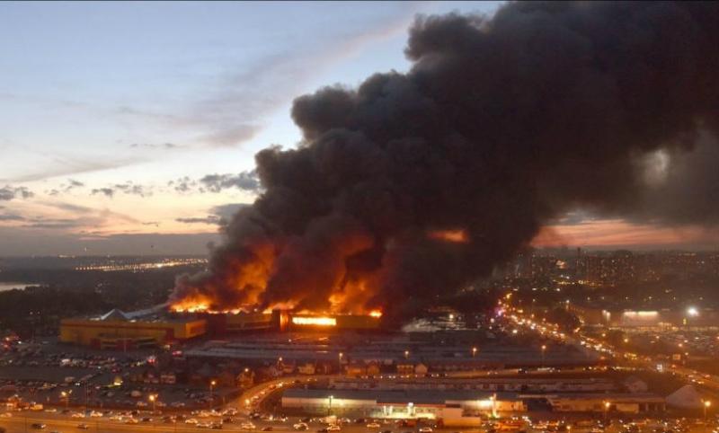 Видео последствий пожара в торговом комплексе