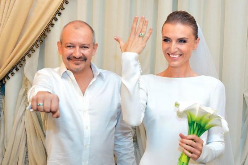 В 2015 году Марьянов женился