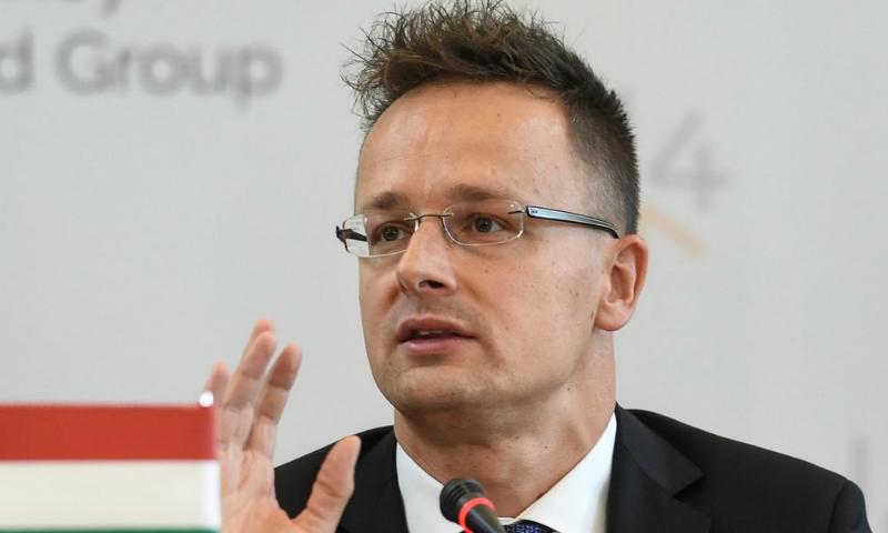 Глава МИД Венгрии пообещал инициировать пересмотр соглашения об ассоциации Украины и ЕС