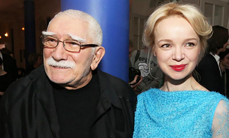 Армен Джигарханян официально подал на развод с молодой женой