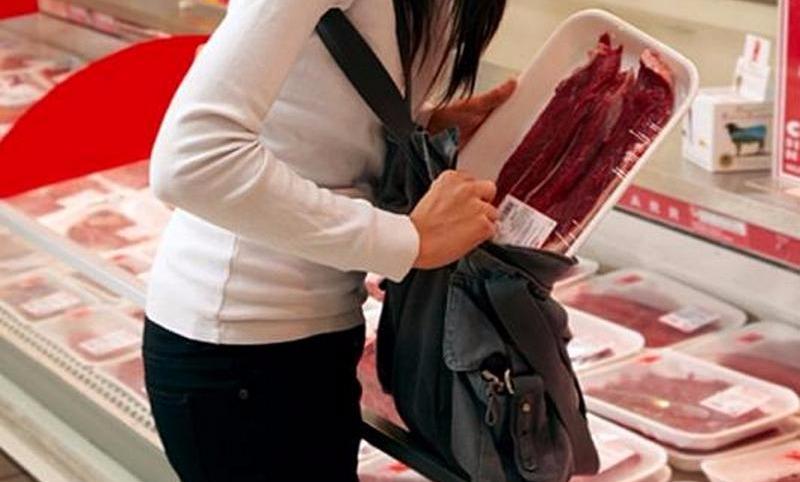 Голод не тетка: на Украине резко выросло число краж продуктов в магазинах
