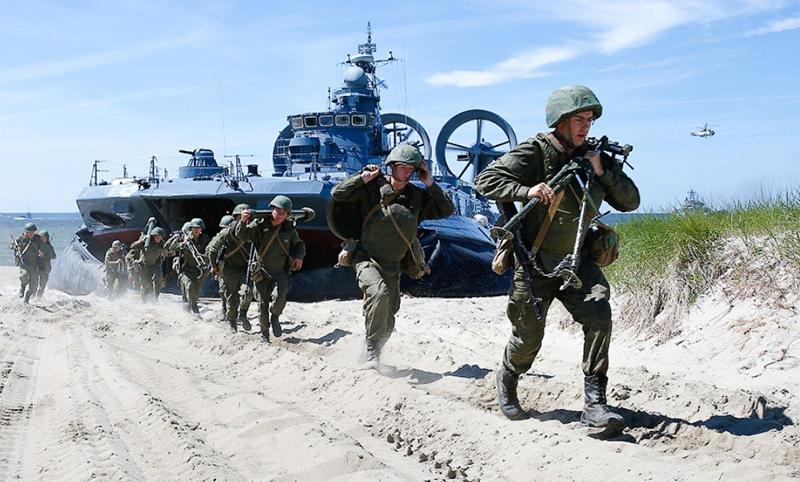 Главнокомандующий ВМФ поздравил морпехов сгодовщиной создания морской пехоты