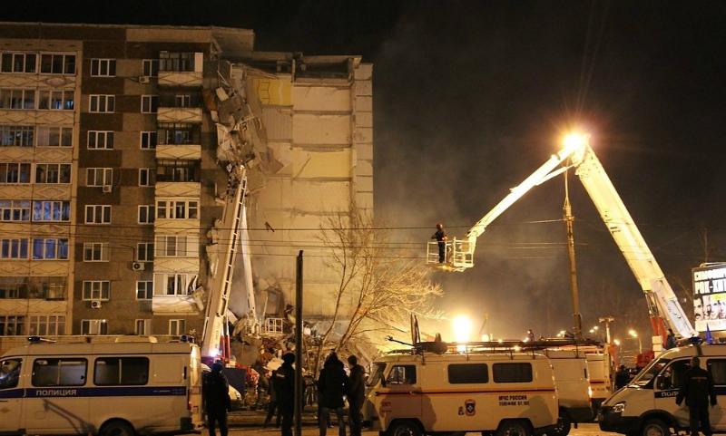 Число погибших при обрушении дома в Ижевске достигло 6, среди них - дети