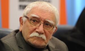 Армен Джигарханян госпитализирован в тяжелом состоянии