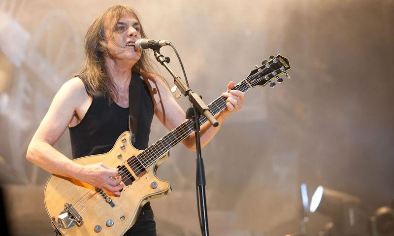 Умер второй за месяц член легендарной группы AC/DC