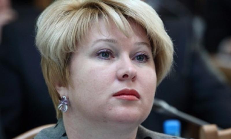 Омская чиновница пожаловалась на маленькую зарплату в 320 тысяч рублей