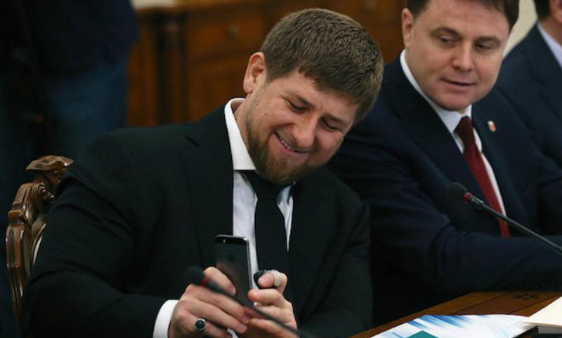 Кадыров подарит iPhone X за лучшее стихотворение о Путине