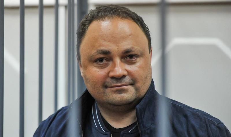Обвиняемый в коррупции мэр Владивостока ушел в отставку