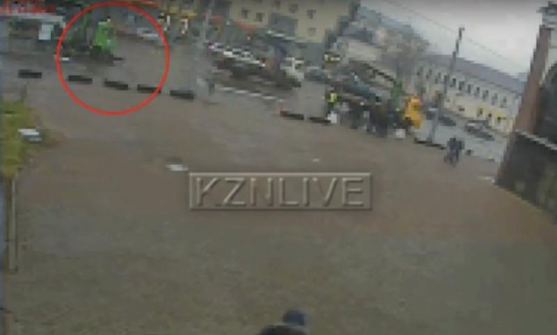 Казанец умер от инфаркта во время эвакуации его авто