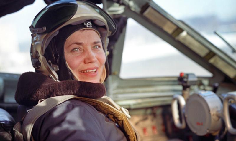 Скончалась легендарная летчица-испытатель Марина Попович по прозвищу