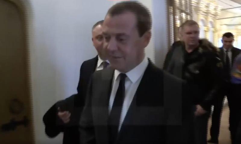 Медведев не планирует идти на выборы