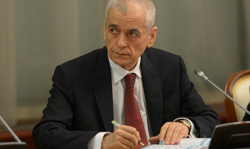 Онищенко: Минздрав предлагает разрешить ВИЧ-инфицированным усыновлять детей
