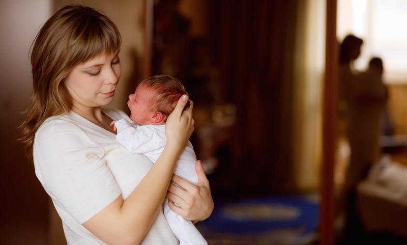 Путин предложил выплачивать мамам пособие на первенца по 10,5 тыс руб