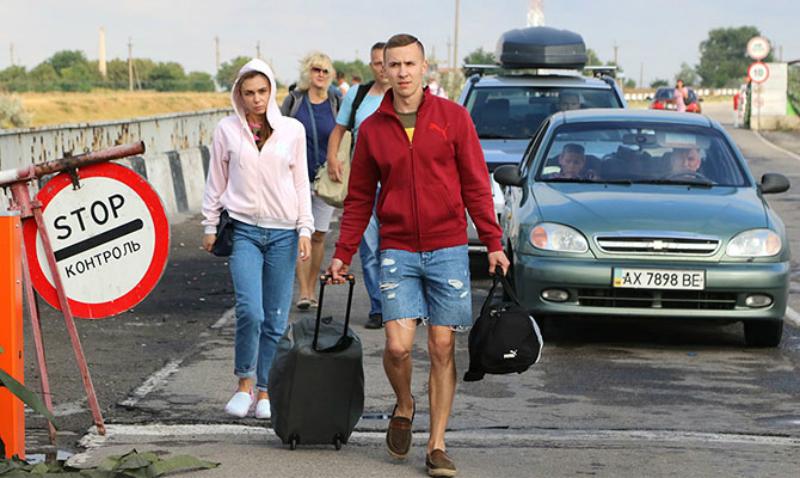 Постпред президента Украины в Крыму призвал прекратить транспортное сообщение с Россией