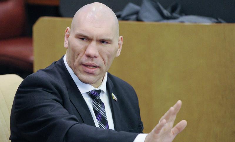 Валуев защитил Мутко от обвинений Собчак