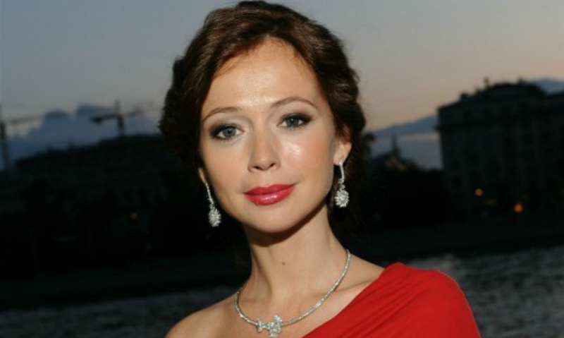Беременная актриса Елена Захарова намекнула на скорое замужество