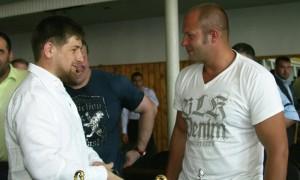 Кадыров победил Емельяненко в силовом конкурсе