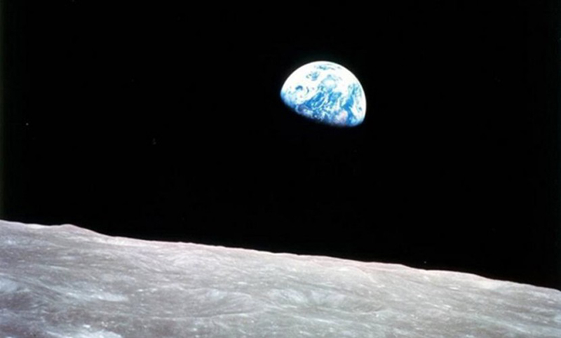Календарь: 21 декабря - Люди отправились на Луну