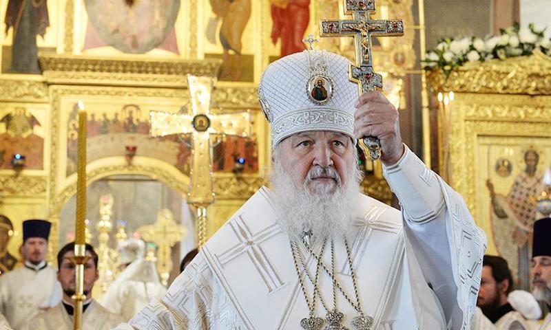 Патриарх Кирилл призвал состоятельных прихожан материально поддержать  священников