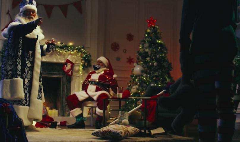 Дед Мороз заставил американского мальчика читать русские стихи
