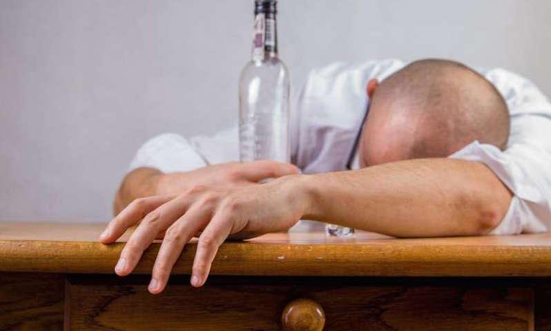Неожиданную причину алкоголизма открыли ученые в США