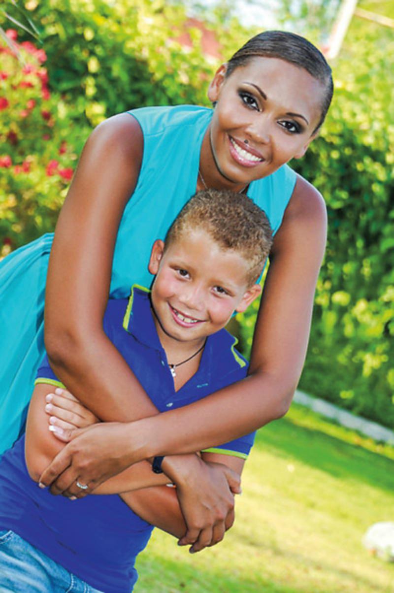 Инна Белова с сыном