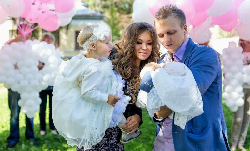 Госдума одобрила инициативы Путина по поддержке материнства в России
