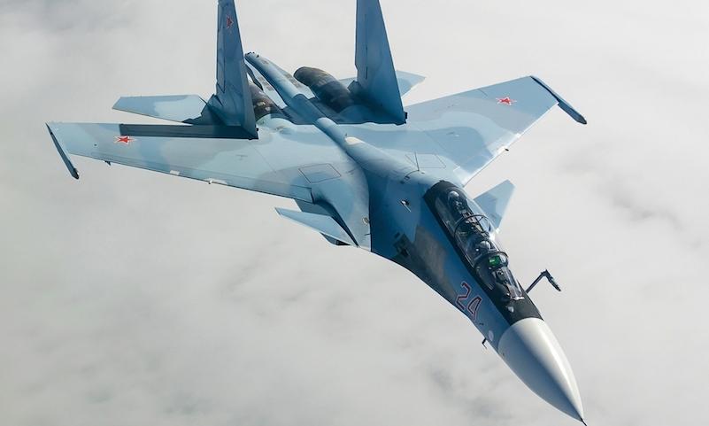 Российский истребитель показал высший пилотаж из любопытства