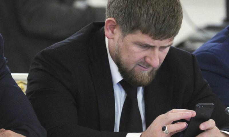 Кадыров категорически отказался пользоваться Facebook после