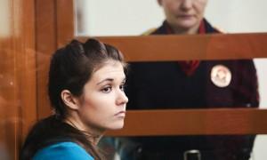 Пытавшейся сбежать в ИГ Варваре Карауловой суд запретил на 9 лет выходить из дома по ночам