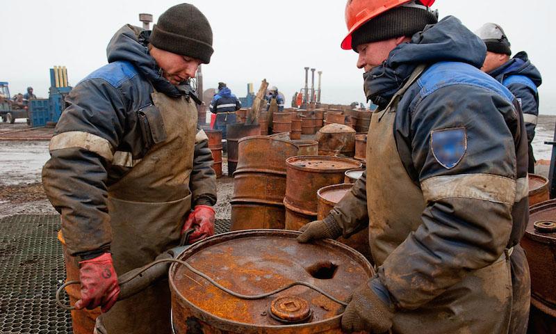 Более миллиарда рублей получили банкиры под залог бочек с водой