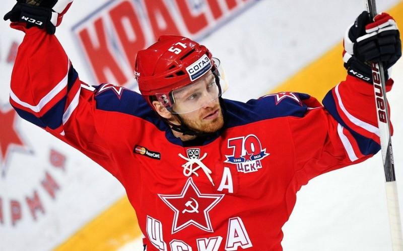 Разведенная Виктория Дайнеко нашла утешение с известным хоккеистом