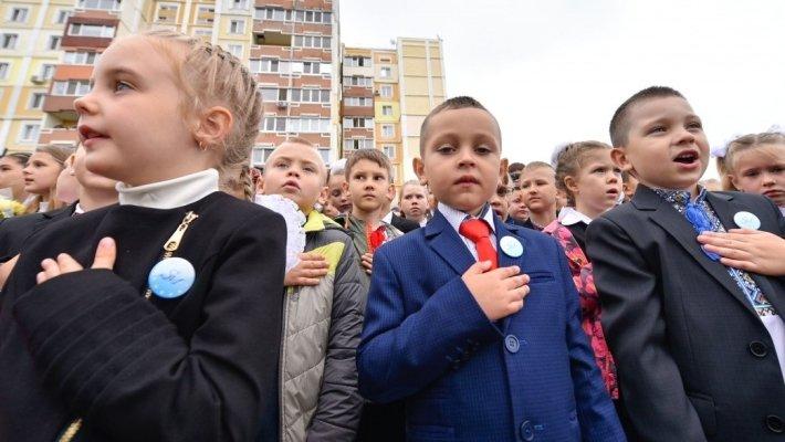 Украинские дети встречают Новый год с песней